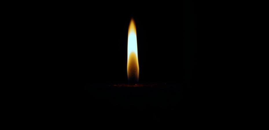 yom-hashoah-candle